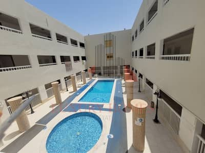 2 Bedroom Flat for Rent in Al Khalidiya, Al Ain - Elegant Design Came with 6 Payments Pool & Gym
