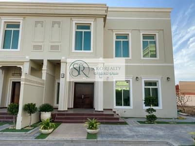 4 Bedroom Villa for Rent in Shakhbout City (Khalifa City B), Abu Dhabi - Unique Villa with Garden | Luxurious Compound!