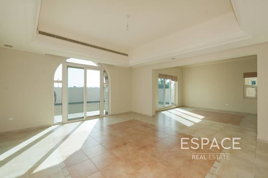 2 Exclusive C1 Villa   Backing onto The Park