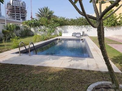 فیلا 5 غرف نوم للبيع في جميرا بارك، دبي - Amazing Deal!! Huge Garden Legacy Villa District 1