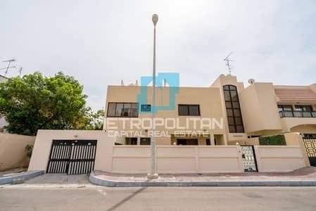 فیلا 3 غرف نوم للايجار في البطين، أبوظبي - Hot Price | Spacious Layout | Balcony | Vacant Now