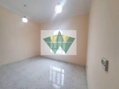 فلیٹ 4 غرف نوم للايجار في مدينة محمد بن زايد، أبوظبي - Specious 4 Bhk Apt With Maid And Wardrobe 4 Big Bath Central Ac