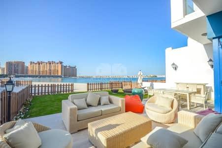 5 Bedroom Villa for Sale in Palm Jumeirah, Dubai - Hot Deal | Beach Home Villa | Burj Al Arab view | Genuine Listing