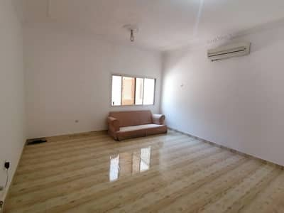Studio for Rent in Al Wahdah, Abu Dhabi - BIG SIZE STUDIO FOR 2600/MONTHLY.AT ALWAHDA MALL OPPOSITE AREA
