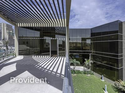 فیلا 5 غرف نوم للبيع في البرشاء، دبي - Luxurious and Huge Villa with Private Pool