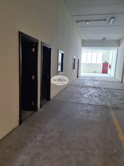مستودع  للايجار في القوز، دبي - 5300 square feet warehouse with office for rent in Al Quoz 3