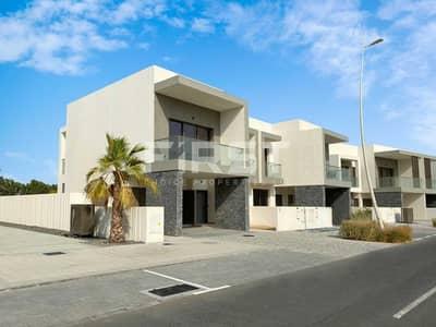 4 Bedroom Villa for Sale in Yas Island, Abu Dhabi - Single Row Villa   Prestigious Location.