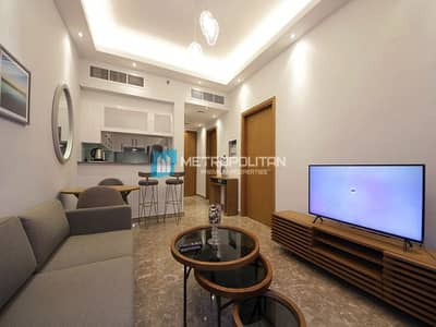 1 Bedroom Flat for Sale in Dubai Marina, Dubai - Luxury Furniture Stunning Marina View Middle Floor