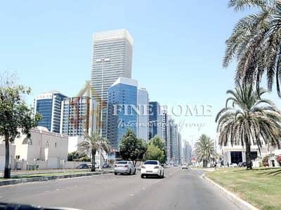فيلا مجمع سكني 10 غرف نوم للبيع في الكرامة، أبوظبي - 3 Villas Compound | 14 Bedrooms | 8 Apartments