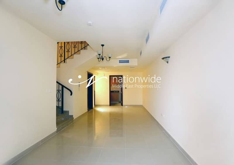2 Vacant! A Cozy Villa With Spacious Layout