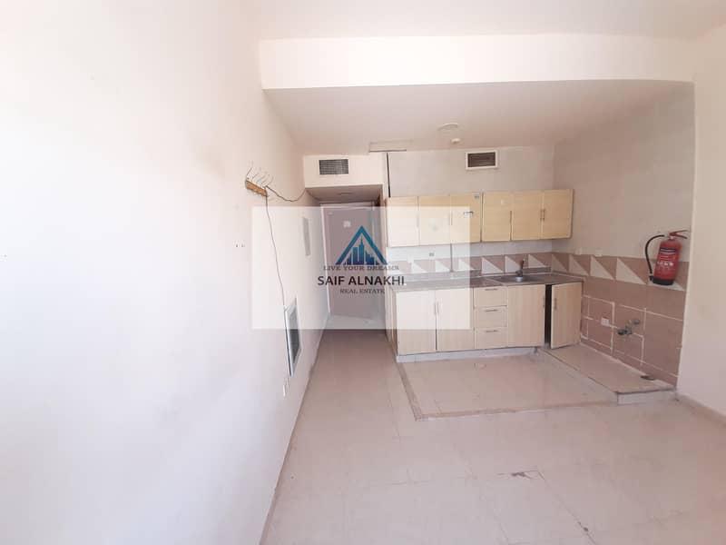 8 Studio just in 10k family building centerl AC