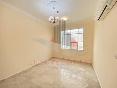 2 Bedroom Flat for Rent in Al Khabisi, Al Ain - Spacious comes with balcony and shaded parking