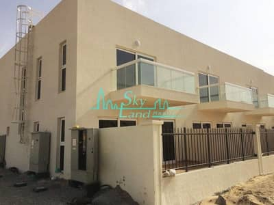 3 Bedroom Villa for Rent in Al Warsan, Dubai - NAKEEL CORNER VILLA / NEAR TO SOUQ /3BEDROOMS+MAID