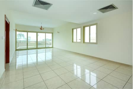 شقة 3 غرف نوم للايجار في شارع الشيخ زايد، دبي - Amazing three bedrooms| direct from landlord| chiller free