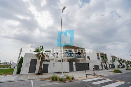 3 Bedroom Townhouse for Sale in Yas Island, Abu Dhabi - Hot Deal| Single Row| Corner Townhouse| Type EA