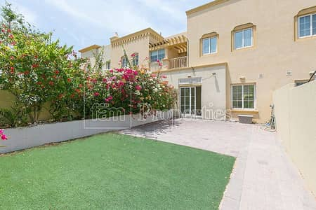 فیلا 2 غرفة نوم للايجار في الينابيع، دبي - Vacant - Well Maintained - Type 4M - 2Bed + Study