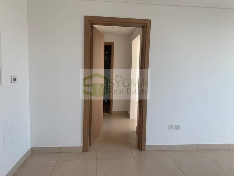 2 Hot Deal! Stylish Large One Bedroom with Big Balcony  In 12Chqs