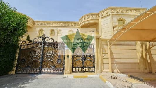 فیلا 5 غرف نوم للايجار في مدينة محمد بن زايد، أبوظبي - Luxury  Pvt Entrance 5 Bedroom Villa With Pvt Pool