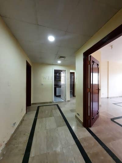 فلیٹ 4 غرف نوم للايجار في الخالدية، أبوظبي - NEW RENOVATED FLAT WITH AFFORDABLE PRICE PLUS MAIDSROOM