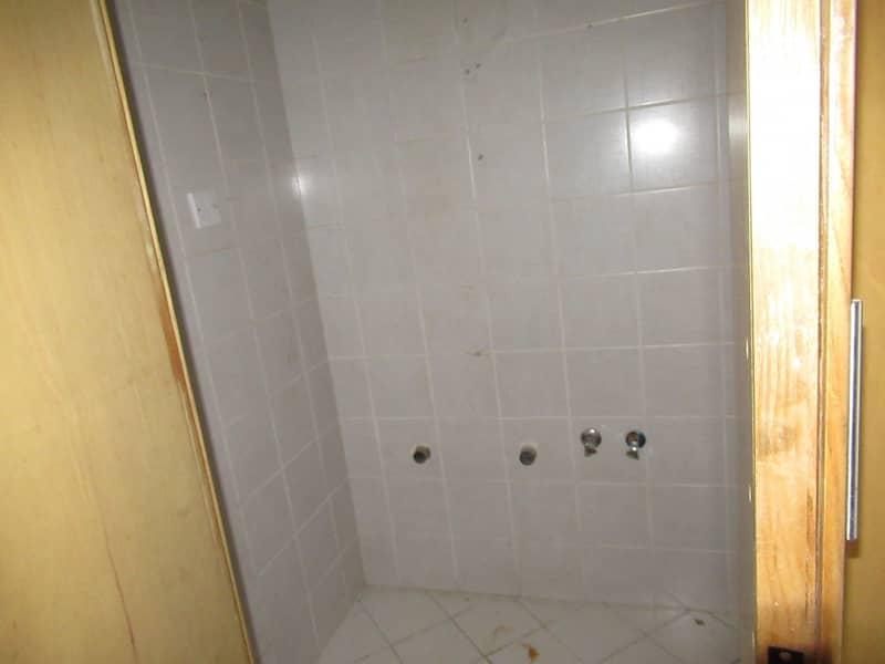 2 TWO BED ROOMHALL AVAILABLE NEAR BUR JUMAN BUR DUBAI ONLY FAMILY BUILDING