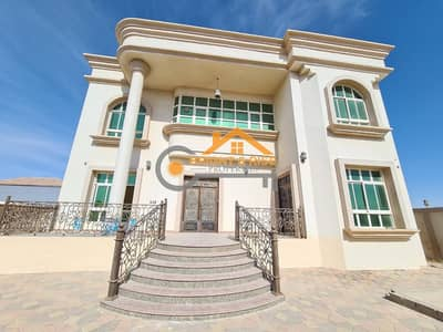 DELIGHTFUL 5 MASTER BEDROOMS VILLA WITH PRIVATE YARD IN MBZ