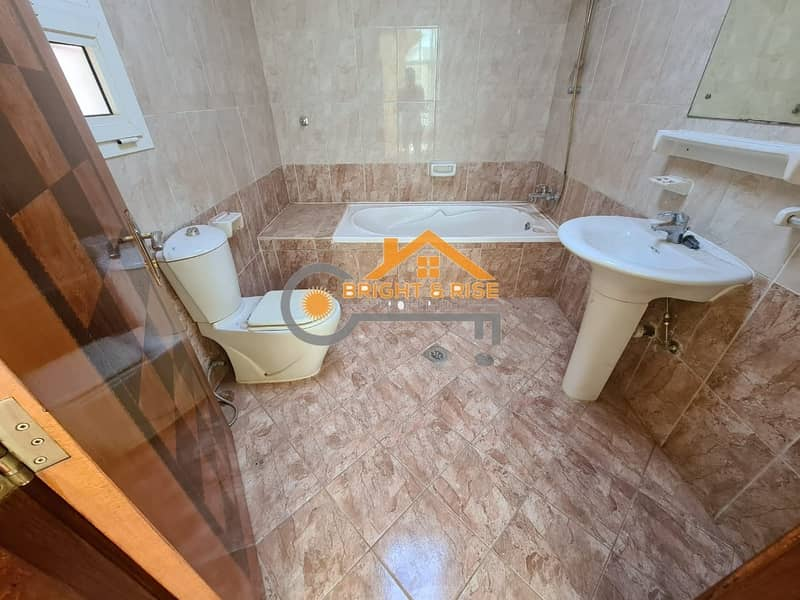 15 DELIGHTFUL 5 MASTER BEDROOMS VILLA WITH PRIVATE YARD IN MBZ