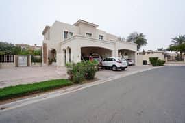 فیلا في الریم 3 الریم المرابع العربية 3 غرف 2400000 درهم - 5111515