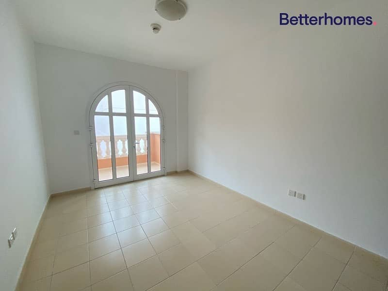 2 2 BHK Ensuite | 3 Balconies| Chiller Free | Vacant
