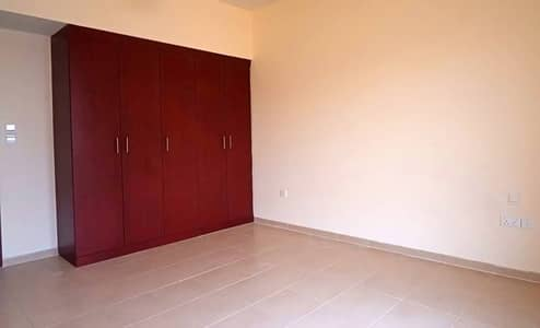 Large 3 bedroom apartment with sea and maina view