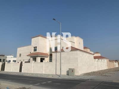 فيلا تجارية  للايجار في آل نهيان، أبوظبي - Huge and Luxurious Villa for Good Investment