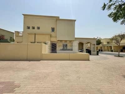 فیلا 3 غرف نوم للبيع في الينابيع، دبي - Corner Unit   Vacant Villa   3 Bedroom Plus Study