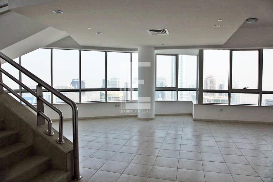 2 Duplex Penthouse | Large Terrace | Convenient Location