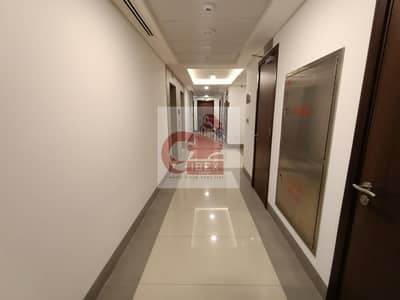 HUGE 2BHK WITH ALL AMENITIES NEAR METRO