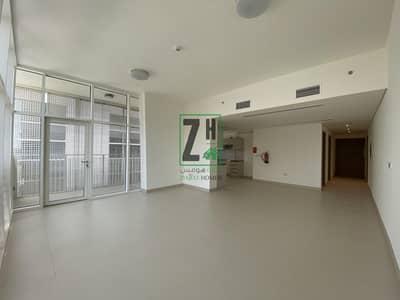 """شقة 1 غرفة نوم للايجار في الطريق الشرقي، أبوظبي - """"Never-Lived In: 1 Bedroom Brand New Apartment for just 65K"""""""