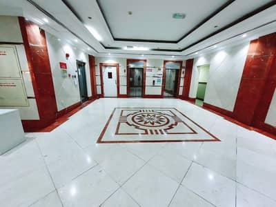 شقة 1 غرفة نوم للايجار في تجارية مويلح، الشارقة - شقة في طريق محطة الاطفاء تجارية مويلح 1 غرف 24000 درهم - 5112876