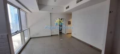 شقة في شارع الكورنيش 1 غرف 43000 درهم - 5112884