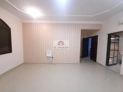 Outclass 2BHK With Separate Big Kitchen Closed To Super Market Near Mazyed Mall