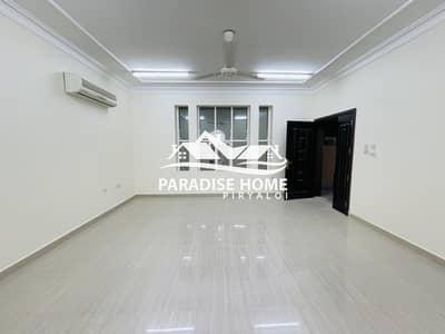 فیلا 6 غرف نوم للايجار في الباھیة، أبوظبي - Luxurious Villa ! 6 BHK With Yard in Al Bahia