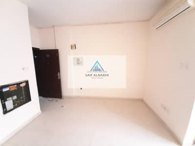 Studio for Rent in Muwaileh, Sharjah - SAPRATE KITCHEN FAMILY BUILDING JUST IN 10K