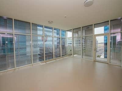 شقة 2 غرفة نوم للايجار في الطريق الشرقي، أبوظبي - Brand new | Spacious living area | New facilities