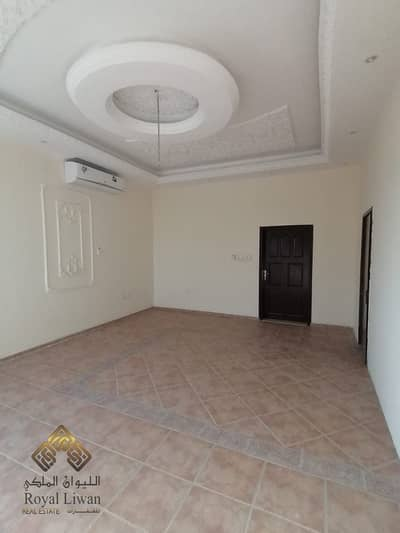 5 Bedroom Villa for Rent in Muhaisnah, Dubai - Stunning 5BR+M,Garfen & Service Block Rent 130k