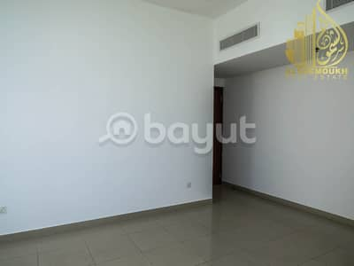 2 Bedroom Flat for Rent in Al Khan, Sharjah - Sharjah Khan Beach 2 clean and wonderful tower there is a free barking tower monitored by cameras beautiful views