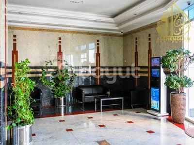1 Bedroom Flat for Sale in Al Khan, Sharjah - alkhan/beach tower 2 / a spacious balcony with a wonderful view