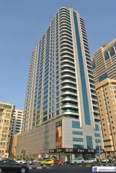 Showroom for Rent in Al Majaz, Sharjah - Huge Showroom