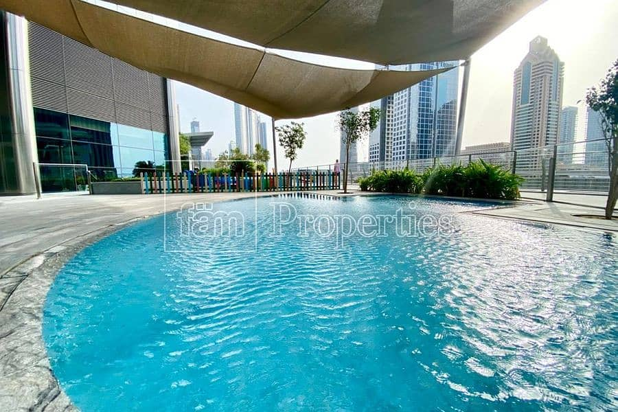 19 perfectly located with a direct access to SZR.