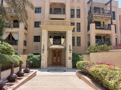 فلیٹ 2 غرفة نوم للايجار في المدينة القديمة، دبي - Huge Apartment / old style residence / well maintained