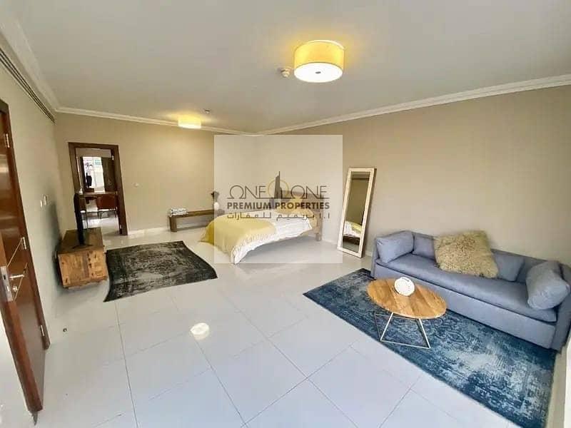 11 Magnificent 4 Bed Villa plus Maid's room