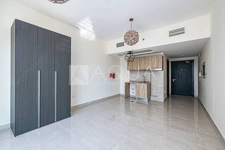 Studio for Sale in Business Bay, Dubai - Middle Floor | Fully Furnished | Balcony