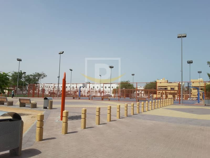Mixed Use Land for Sale in Hor Al Anz  Deira - AT