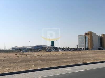 ارض استخدام متعدد  للبيع في بر دبي، دبي - G+14 Mixed Use Plot for Sale at Sama Al Jaddaf on Payment Plan